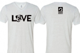 "Boxer ""LOVE"" White V-Neck Short-Sleeved Tee"